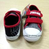 Il banco dei pattini di tela di canapa del fumetto dello Spiderman del capretto calza i pattini di sport (FF921-3)