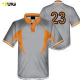 T-Shirt Sportiva Con Combinazione Di Colore E Abbigliamento Sportivo