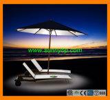 Strand-Regenschirm mit LED-Lichtern lud durch Sonnenenergie auf