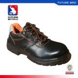 Schoenen van de Veiligheid van de Teen van het Staal van de Besnoeiing van het Leer van de zweep de Lage voor Zure AlkaliWeerstand