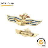 Il Pin su ordinazione a forma di del risvolto dell'ancoraggio Badges Ym1084