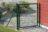 緑色の金属の単一の振動庭ゲートに塗る粉