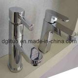 En alliage de zinc le moulage mécanique sous pression pour le robinet d'eau de la pièce de Bath