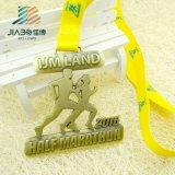 Непосредственно на заводе Custom Award работает марафон спортивные медали медаль сошника расширительного бачка