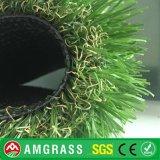 Colorato modific il terrenoare il tappeto erboso artificiale dell'erba sintetica poco costosa per la decorazione del giardino