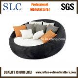 藤の屋外の寝台兼用の長椅子または屋外の円形の柳細工のLoungerまたは普及した柳細工のラウンジ(SC-FT013)