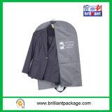 Sacchetto pieghevole all'ingrosso del coperchio dell'indumento del Mens di PEVA con la promozione