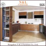光沢度の高いラッカー木の食器棚