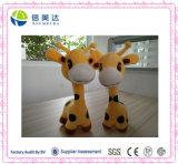 De mooie Zachte Pluche van de Giraf & het Gevulde Speelgoed van de Baby