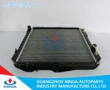 Radiador de aleación para Toyota Hilux Kzn165r Automotive Cooling System