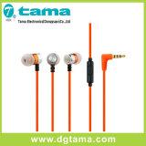 多彩なMicの電話が付いている3.5mmの耳のイヤホーンのステレオのイヤホーン