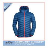 Casaco de inverno com capuz de inverno com jaqueta com contraste