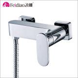 シンプルな設計の良質の固体真鍮の高い洗面器のコック