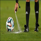 Jet Vanishing de jet d'arbitre Vanishing de mousse pour le match de football