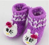단화가 길쌈한 주문을 받아서 만들어진 안전한 손 뜨개질을 하는 크로셰 뜨개질에 의하여 농담을 한다