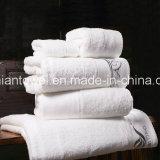 Hôtel 5 Étoiles professionnel utilisé serviette robe de coton de gros de la Chine Serviette de bain