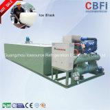 Nuevo diseño que adopta la máquina de hielo del bloque del evaporador de la pipa de la bobina