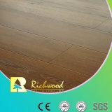 12.3mm E0 AC3 a gravé le plancher de stratifié de bord ciré par noix