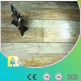 12.3mmのAC4手によって擦られるカシのV溝がある積層のフロアーリング