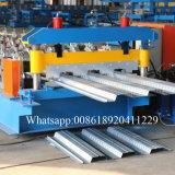 Rolo da plataforma do metal que dá forma à máquina