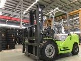 Isuzuエンジンを搭載する新しい4トンのディーゼルフォークリフト