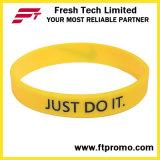 Il commercio all'ingrosso progetta il Wristband per il cliente del silicone