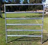 電流を通された鋼鉄6管の牛畜舎の塀