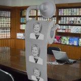 Hilary a estampé le papier de soie de soie de salle de bains de nouveauté de rouleau de papier hygiénique