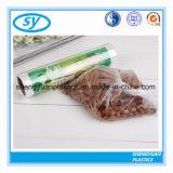Sacs plats en plastique normaux de nourriture de bonne qualité sur le roulis