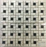 灰色のBiancoカラーラの大理石の石造りのモザイク・タイル