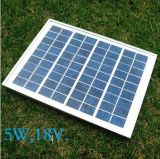 El panel solar policristalino 5W para el sistema de iluminación solar casero del LED