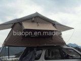 Familien-im Freienauto-Dach-Oberseite-Zelt