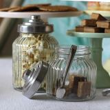 金属のふたまたは甘い瓶が付いている小型ガラスキャンデーの瓶
