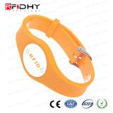 Wristband alaranjado do PVC da forma RFID do relógio para a gerência da atividade