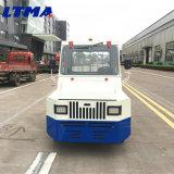空港輸送サービスのディーゼル手荷物の牽引のトラクターのトラック