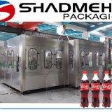 Bebidas carbónicas automáticas completas de la bebida que hacen la máquina