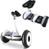 10インチの電気スクーターのバランスをとっているスマートな電気スクーターの自己のバランス車2の車輪の自己