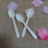 生物分解性のプラスチック食事用器具類のコーンスターチの使い捨て可能で小さい茶スプーン