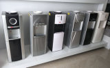 Standplatz-heißer kalter Becherhalter für Wasser-Zufuhr
