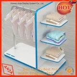 Étagère en bois et de systèmes de rayonnage pour les vêtements