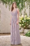 Brautjunfer-Kleid mit einem Wasserfall der Rüschen, die auf die Vorderseite fließen und zurück der Fußleiste