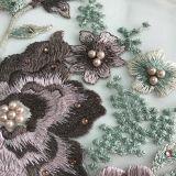 Cordón con el bordado de la flor 3D hecho con las piedras y la perla del hilado de seda