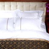 Het mooie In het groot Katoenen die Beddegoed van het Hotel voor Slaapkamer wordt geplaatst