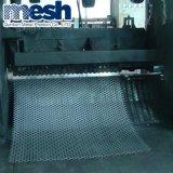 Порошковое покрытие расширенной перфорированной металлической сетки проволочной сеткой