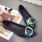 L'usine vend les chaussures du femme peu profond de fond plat de ressort et d'édition d'été de boucle coréenne neuve de grand dos en gros