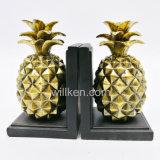 판매를 위한 Handmade 과일 조각품 수지 금 파인애플