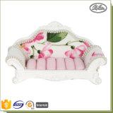 Figura domestica del sofà della visualizzazione dei monili della decorazione per il supporto dell'anello
