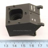 Précision personnalisée de commande numérique par ordinateur de laiton haute usinant avec le corps noir de pièce d'enduit pour l'appareil photo numérique