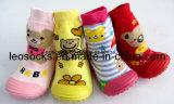 Venda Por Atacado Cute Cartoon Rubber Sole Baby Socks Happy Baby Prewalker Shoes