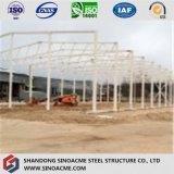 Almacén aislado/taller de la estructura de acero del panel de emparedado/vertido con la grúa